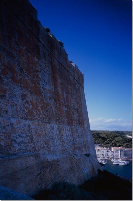 Bonifacio Burg 2