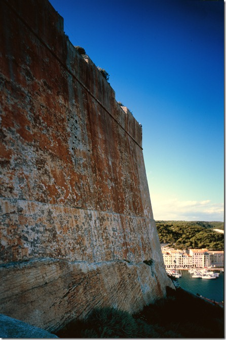Bonifacio Burg 3