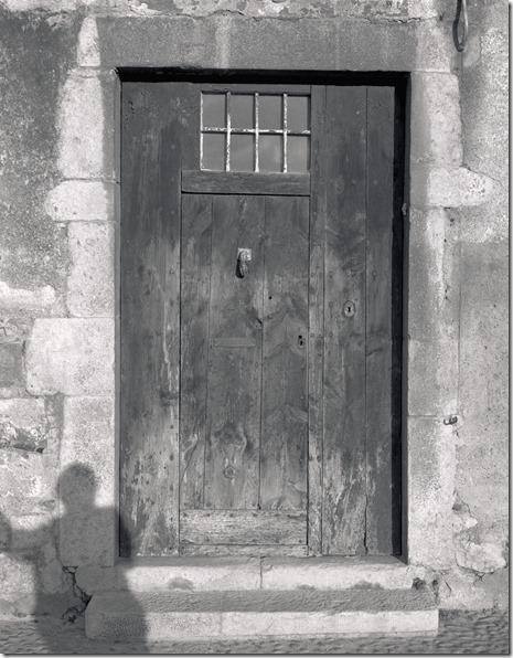 Tür alt mit Schatten C 2400