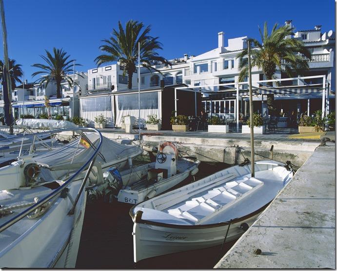 Sitges Harbour C 3200