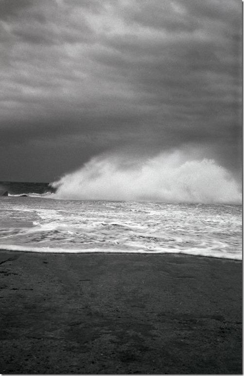 Wave Crashing 1 BW 3200