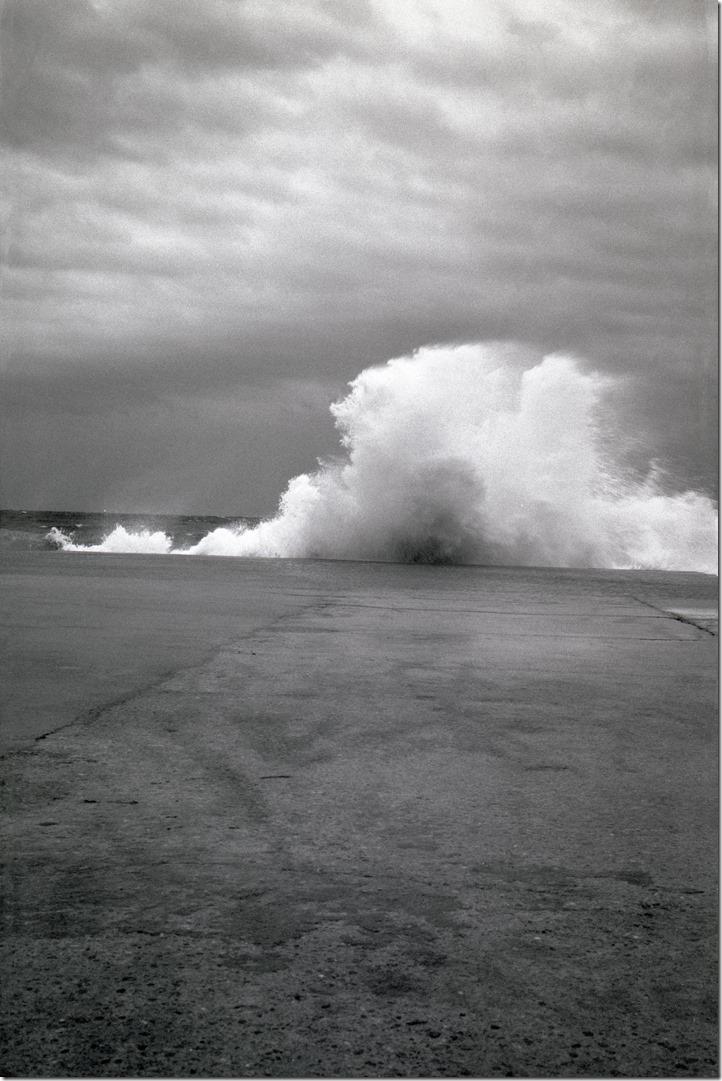 Wave Crashing 2 - 1 BW 3200