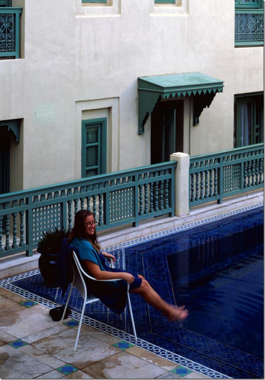 Ursi at the pool DIA 2400 (Andere)