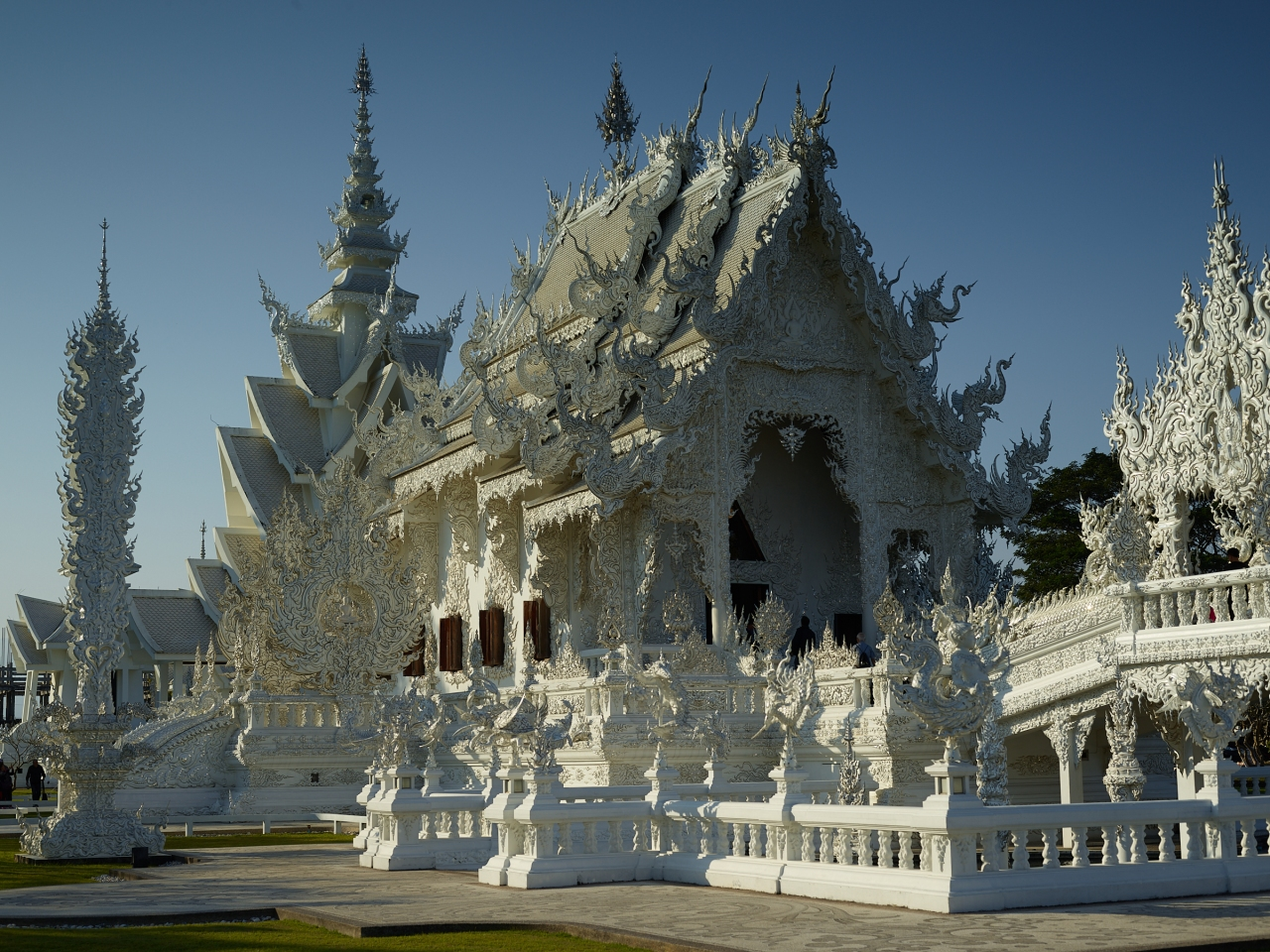 "Chiang Rai – Wat Rong Khun (or the ""White Temple"")"